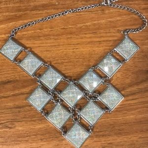 Jewelry - Blue sparkly necklace